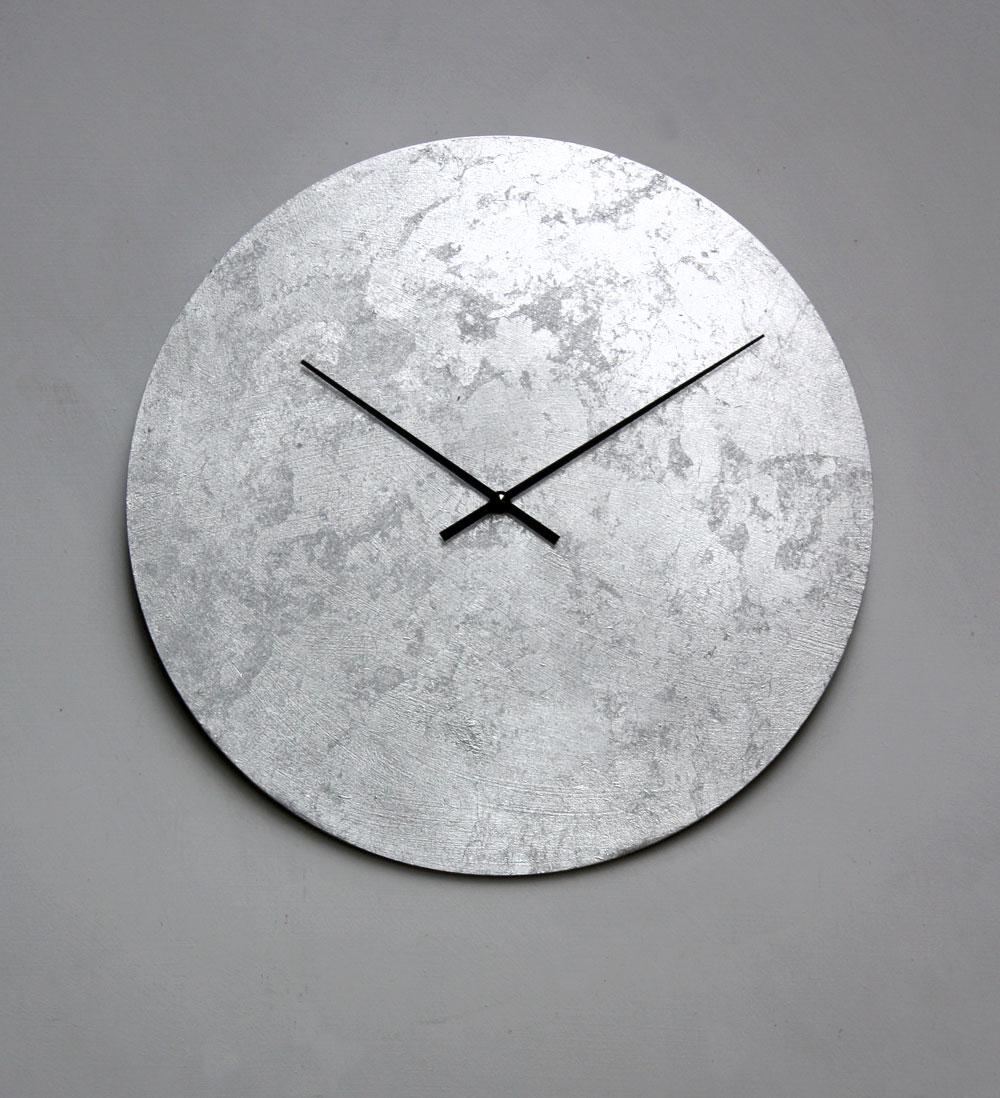 japandi Wanduhr in Silber
